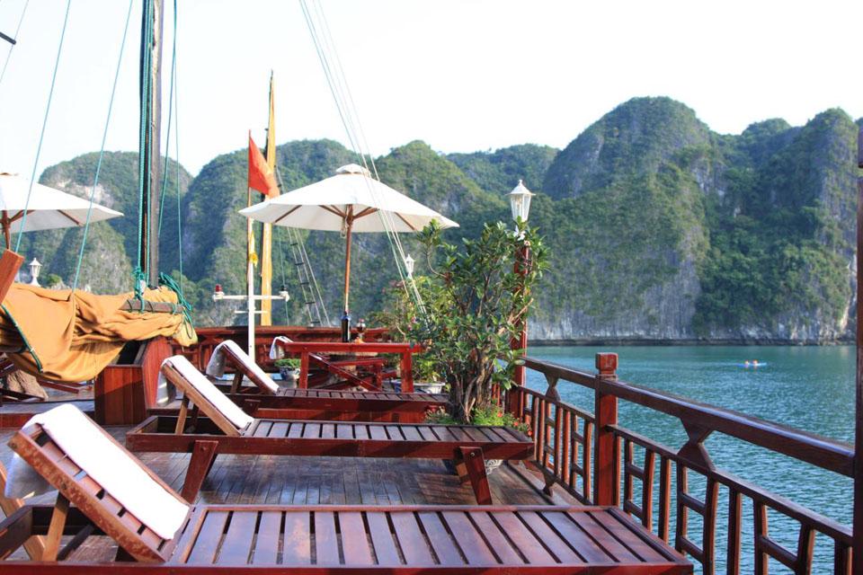 Tour Du Lịch Hạ Long Ngủ Tàu 2 Ngày 1 Đêm Giá Rẻ Từ Hà Nội