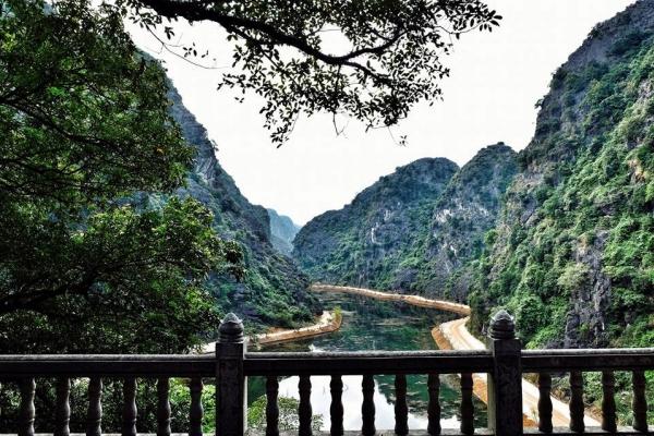 TOUR BÁI ĐÍNH - TRÀNG AN - HANG MÚA 1 NGÀY